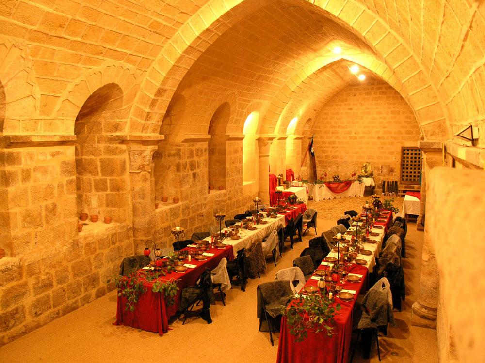Banquet Medieval Cadouin 8 Bienvenue Sur Le Site De L Abbaye